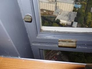 タワー窓.jpg